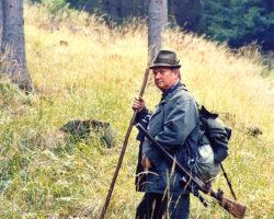 20_ Lovec pripravljen na lov v LPN Pohorje
